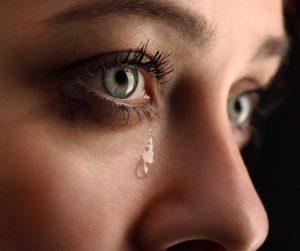 Geraakt bewogen ontroerd emotionele pijn